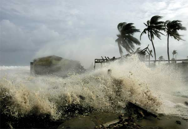 Hurricane season approaches, MIR3 checklist helps Business Continuity Planners prepare